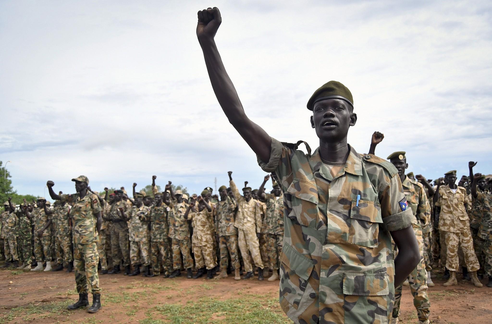 La guerra imperversa in Sudan. Ma la popolazione preferisce conoscere il gossip.